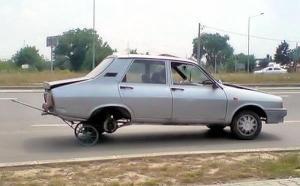 a.aaa-Broken-car
